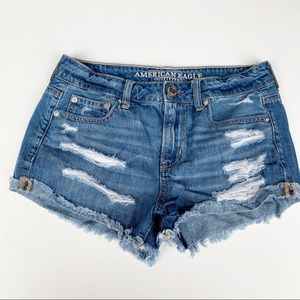 AMERICAN EAGLE Tomgirl Shortie Cut Off Shorts